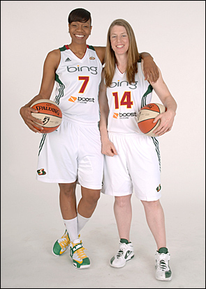 Storm legends Katie Smith and Tina Thompson.